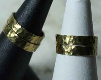 Hand hammered textured solid brass band ring, one piece (item ID RBN)