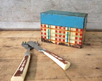 Free Shipping Vintage Retro Red  blue yellow Plaid Metal recipe box file box