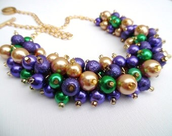 Purple Kelly Green and Gold Necklace, Mardi Gras Jewelry, Cluster Necklace, Pearl Necklace, Chunky Jewelry, Purple Jewelry, Gift for Her