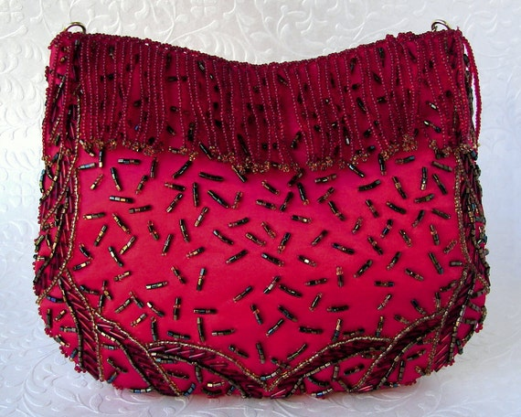 Vintage La Regale Valentines Red Satin Clutch Beaded Fringe Front Purse Formal Holiday Handbag Green Gold Beads Long Chain Hide Away Strap