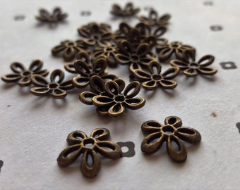 Antique Bronze flower bead caps (25)