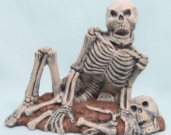 Halloween Decor - Outdoor Decor - Skeleton - Prop - Spooky - Ceramic - Relaxing - Fall Decor - Scary Halloween