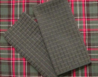 Two Vintage Reversible Plaid Placemats and Four Napkins - Red and Green