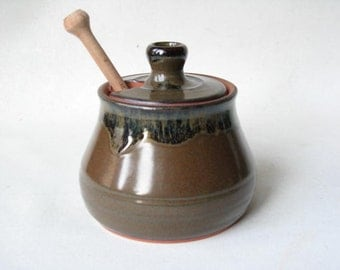 Honey Pot made in Stoneware