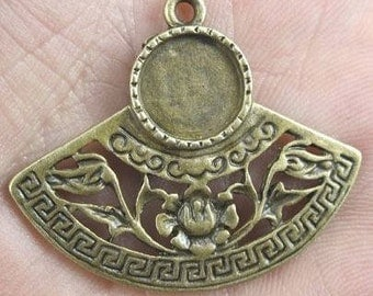 Earring findings flower bezel dish  pendant antiqued bronze jewelry findings quantity two  (DRW148)