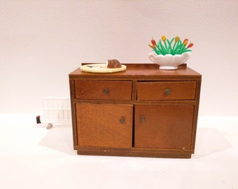 Simple wooden sideboard 1:12 scale