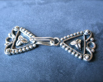 Sterling Silver Hook and Eye clasp - single strand - three leaf - sturdy - heavy weight