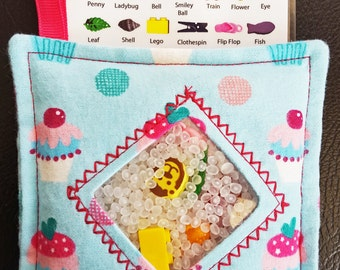 I Spy Bag - Mini with SEWN Word List and Detachable PICTURE LIST- Cupcakes