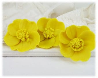 Yellow Buttercup Hair Pins - Buttercup Hair Accessories, Buttercup Wedding Hair Pins, Yellow Buttercup