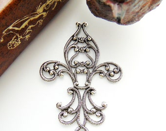 SILVER Ornate Filigree Floral Fleur De Lis Antique Silver Ox Brass Stampings - Jewelry Ornament Findings (C-1402) #