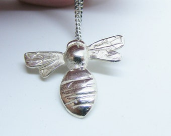 9carat white Gold Bumble Bee Pendant Jewelry, White gold bee IN STOCK