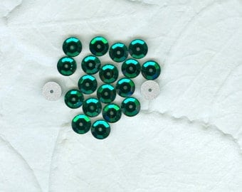 20 Sparkly Emerald Green 6 mm Flatback Sewons Sew Ons  Beads Jewelry Craft Vintage