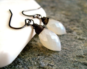 White chalcedony dewdrop earrings gold, silver, Rose gold Ivory cream by Vitrine