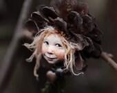 Pixie girl Minki handmade decoration, Zapfenkind