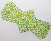 "14.5"" (37 cm) Heavy / Ultra Absorbent Reusable Cloth Menstrual Pad (14HC) - Floral Clover"