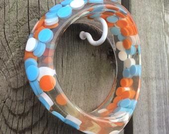 Vintage Plastic Aspirin Pill Polka Dot Lucite Confetti Asymmetric Wavy Candy Bangle Bracelet Deadstock turquoise blue Orange