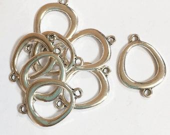 8 pcs of  Antique Silver plated double sided oval teardrop connector 18x28mm