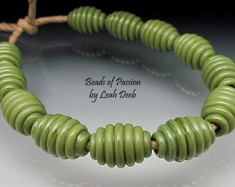 Handmade Glass Beads of Passion SRA Leah Deeb - 12 Rich Pistachio Ribbed Olives