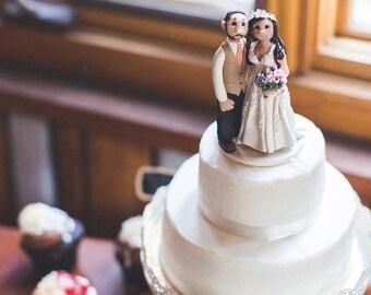 Custom wedding cake topper, Bride and groom cake topper, personalized cake topper, Mr and Mrs cake topper, custom cake topper