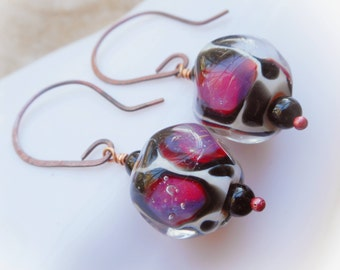 Colorfur earrings purple pink fuchsia red long copper hammered forged lampwork glass leopard spot dangle earrings opal violet rustic