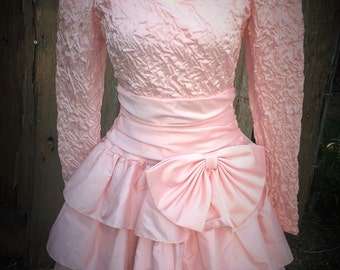 Vintage 1980s Era Peachy Pink Taffeta/Satin Dress with Ruffles and Netting