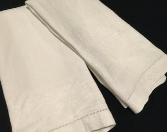 Pair of Vintage White Damask Show Towels