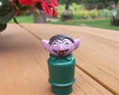 Vintage Fisher Price The Count Little People Sesame Street Muppets Toy Figure Green