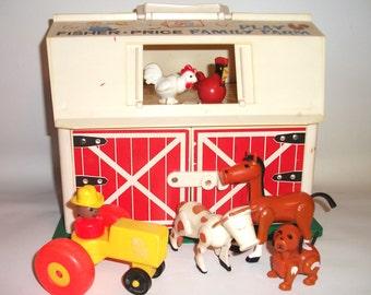 Vintage Fisher Price Farm Barn Little People Animals Children Playset 915