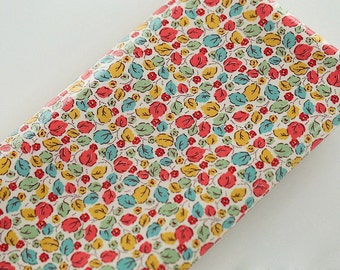 4094 - Cath Kidston Little Leaves (Offwhite) Oilcloth Waterproof Fabric - 28 Inch (Width) x 17 Inch (Length)