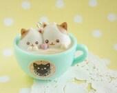 1 pc Latte Kitten Charm (5cm) AZ269 Two kittens in Green Cup (((LAST)))