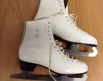 Womens Vintage White  Leather Ice Skates Sz 40