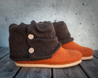 Handmade woollen ankle boots whit knitted top and wooden buttons Women ankle booties flats Natural wool shoes Brown Cinnamon