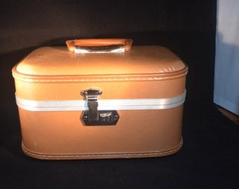 Vintage Vacationer Train Airplane Travel Case Make-up Luggage Cinnamon Brown