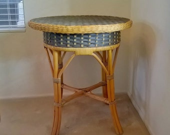 Vintage Wicker And Rattan Side Table   LOCAL PICKUP ONLY