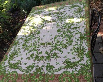 So 1970's Vintage Retro Floral Tablecloth fabulous Green pattern great condition