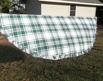 Vintage Green Plaid Ruffled Tablecloth 72 x 98 Oval Table Cloth   French Country Farmhouse Green Picnic Cloth 72 x 98