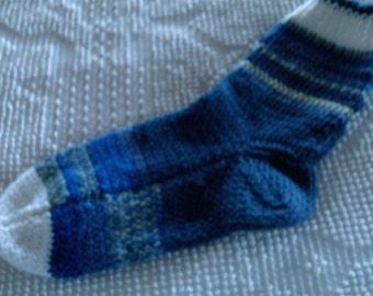 Hand Knit  Wool Socks  Womens Size Large/Men,s Medium 8-10 Atlantic Winter Blues