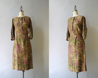1960s Dress / Vintage 60s Fall Floral Dress / Early 60s Dark Floral Cotton Dress
