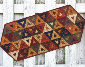 Cedar Triangle Table Runner - Autumn (TGTR23)