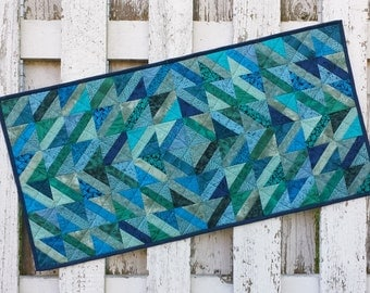 Cedar Arrow Table Runner (EDTR41)