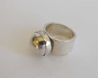 70s ring / Simple Staple Vintage 70s Ball Ring Sterling