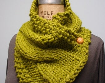 Knit Cable Two Button Bulky Neck Cowl Scarf Apple Green