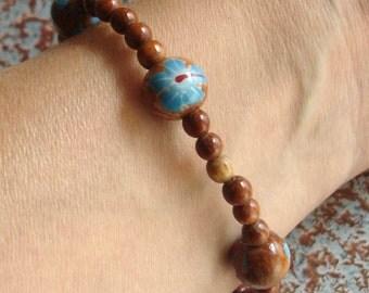 adorable vintage painted flowers wooden bead stretch bracelet