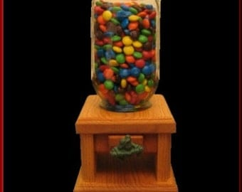 Candy Dispenser with Frog Knob