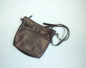 Vintage HUNT CLUB Purse • 1990s Accessories •Bucket Bag Style Navy Blue Leather Adjustable Shoulder Strap Crossbody Carryall •Medium Tote