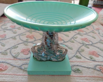 Shabby Chic look vintage Avon (R)  green and silver soap dish 2 fish in center