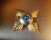 Runway vintage 60s gold tone metal maltese cross brooch-pin - pendant. Made by Accessocraft N.Y.