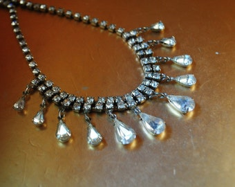 Bridal vintage 50s clear rhinestones collar-choker ,adjustable necklace with a tear drop , dangle pendants.