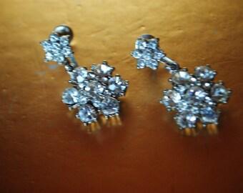 Bridal vintage 40s clear rhinestones dangle flowers screw back earrings.