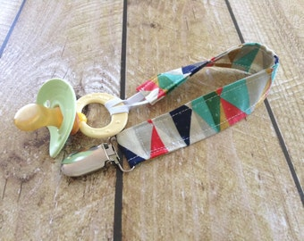 Baby Pacifier Clip - Triangles Soother Clip - Boho Baby - Baby Accessory